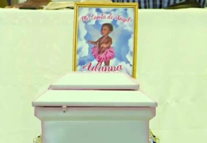 Sepelio de niña capitalina asesinada en Colón