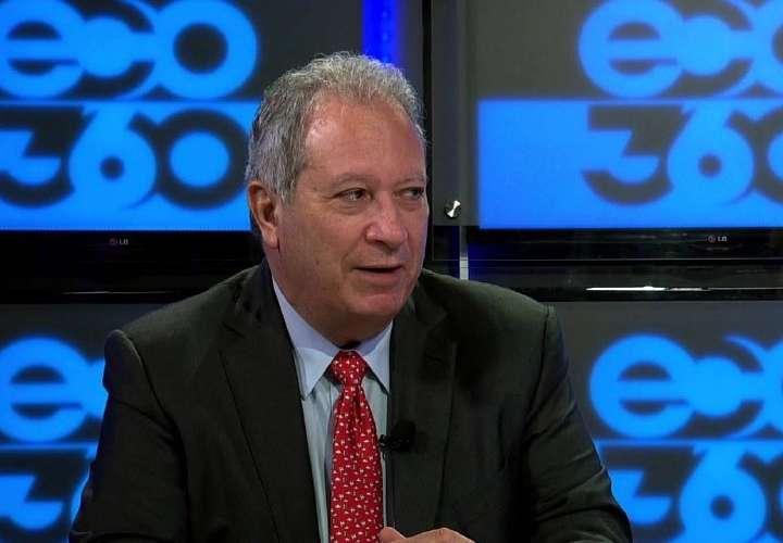 Arquesio demanda por $500 mil a los directivos de Foco