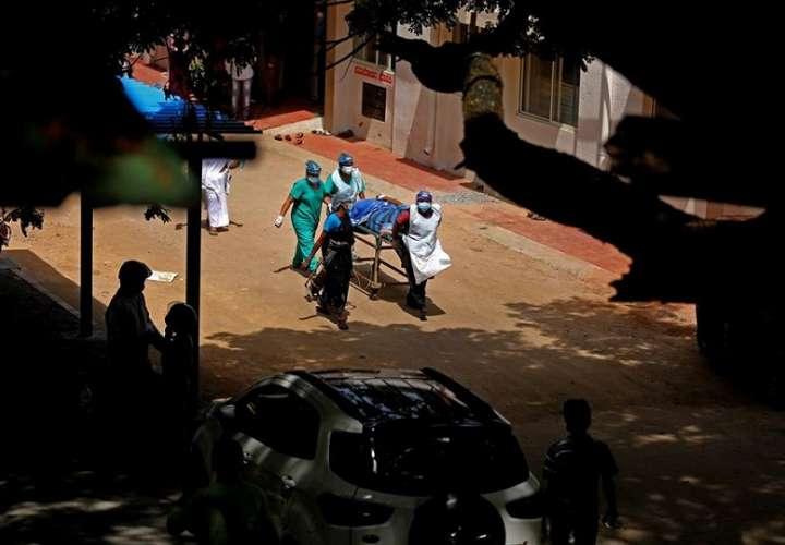 Las autoridades sanitarias indias dieron la voz de alerta hace un par de semanas, cuando se detectó un significativo aumento de casos entre pacientes de coronavirus con patologías muy específicas como la diabetes. EFE