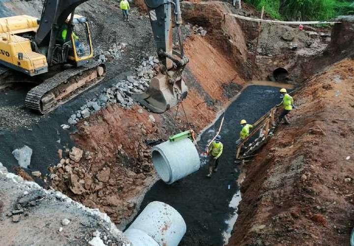 En un 70% avanzan reparación de vía colapsada en Arraiján