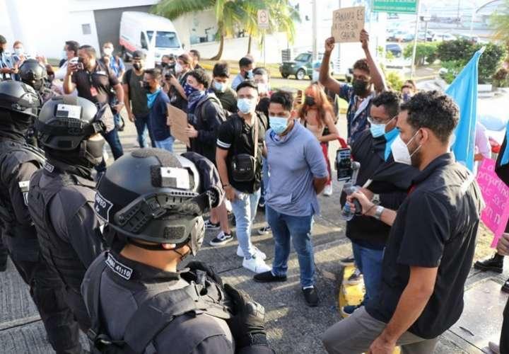 Más de 30 quejas de posible abuso policial ha recibido la Defensoría este año