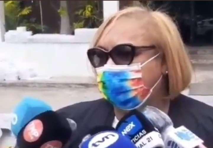 Directora del PAI acude a la fiscalía por caso de vacunación clandestina [Video]