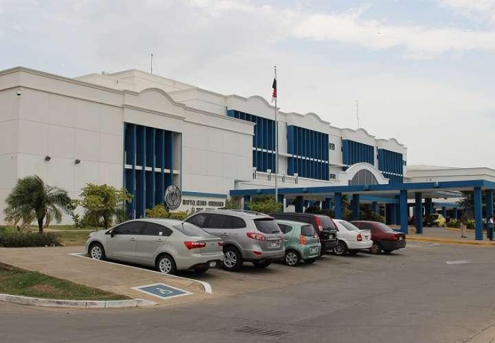Vista general de la parte externa del hospital Gustavo Nelson Collado de Chitré.