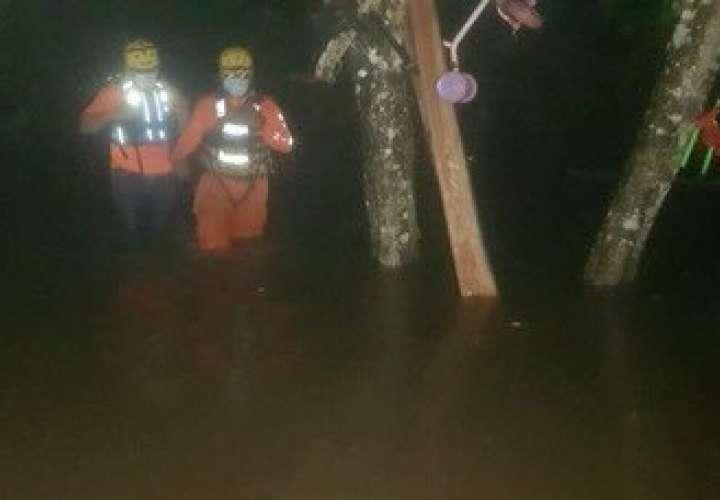 Desesperanza y tristeza deja lluvias e inundaciones a familias afectadas