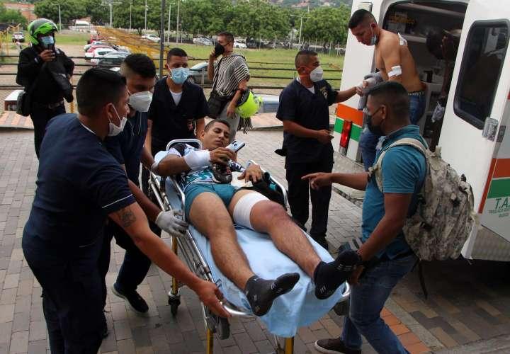 Un carro bomba explota dentro de Brigada 30 del Ejército colombiano en Cúcuta