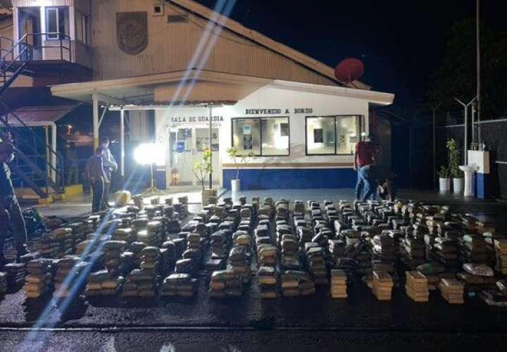 Decomisan  1,445 paquetes con droga en Isla San José y Guna Yala