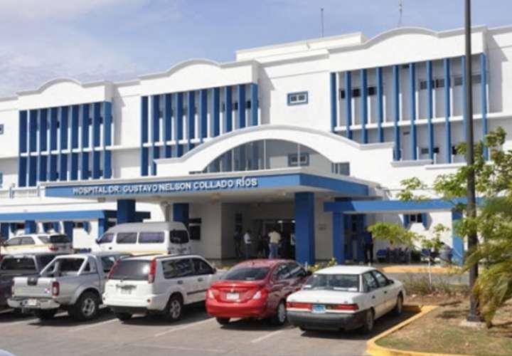 En la imagen aparace una vista general de la parte externa del hospital Gustavo Nelson Collado, ubicado en Chitré.