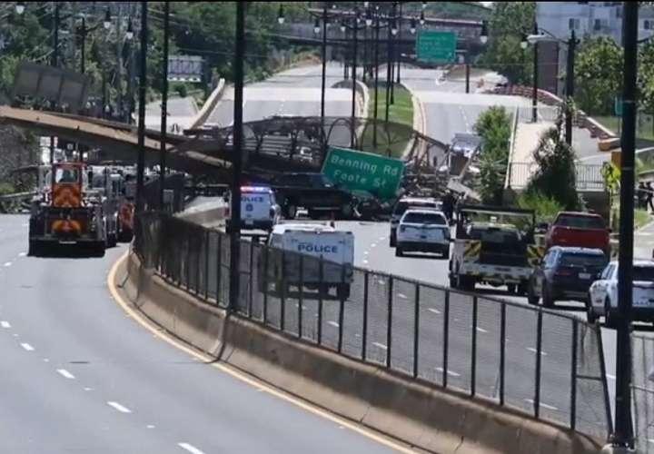 El derrumbe de un paso elevado peatonal deja varios heridos en Washington