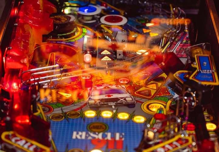 Mesa de pinball. Foto: Pixabay ilustrativa