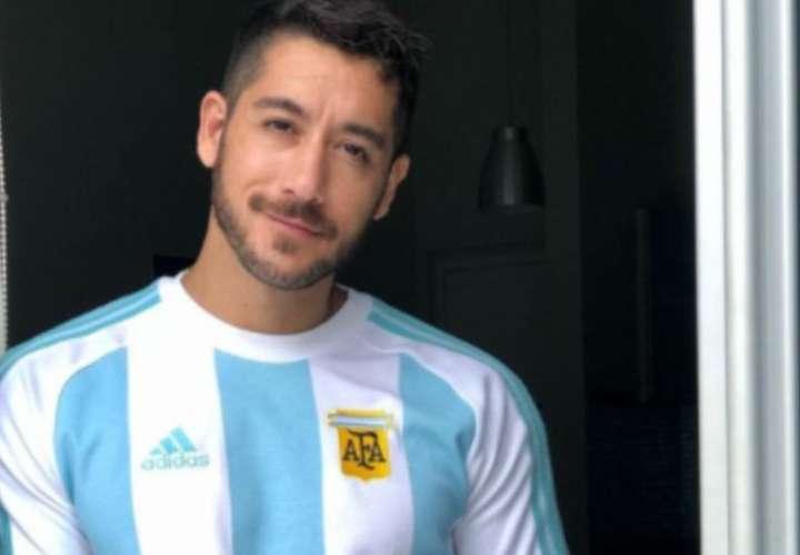 Con el pecho hinchado de orgullo por el título de Argentina