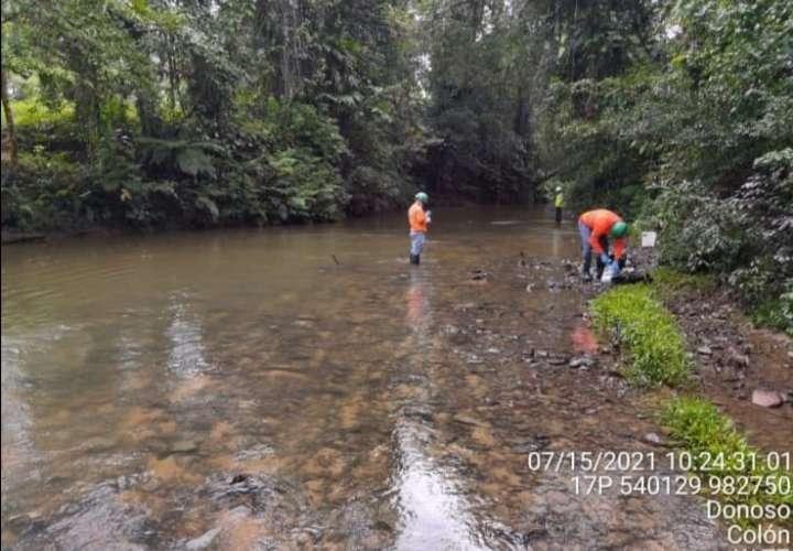 Inician investigación de posible derrame de material mineral en Donoso