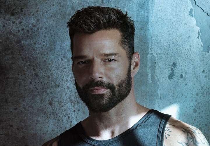 Ricky Martin dice que dejen las conspiraciones y se vayan a vacunar ya