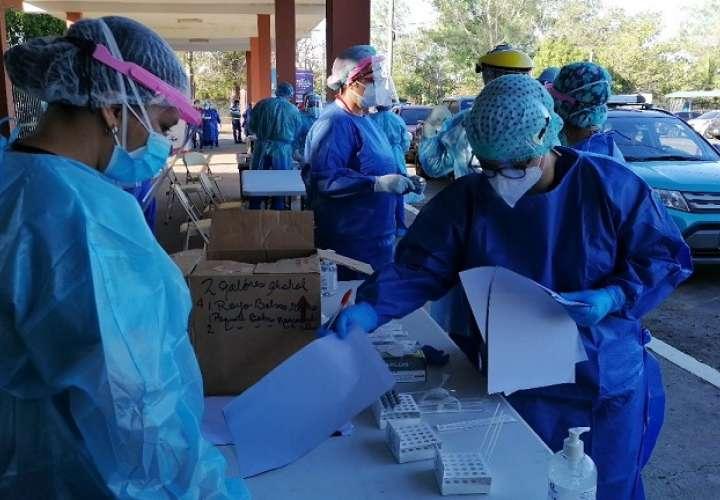 Este jueves se informó que 13,064 contagiados se mantienen con la enfermedad activa.