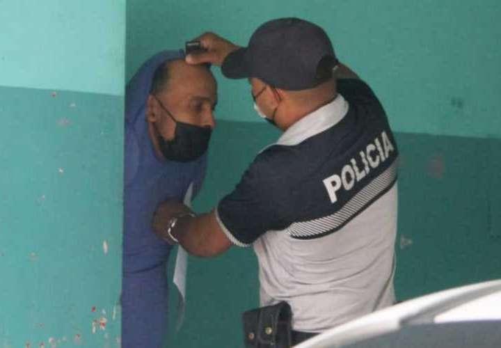 Taxista preso: me robaron auto para asaltar joyería Salvatore