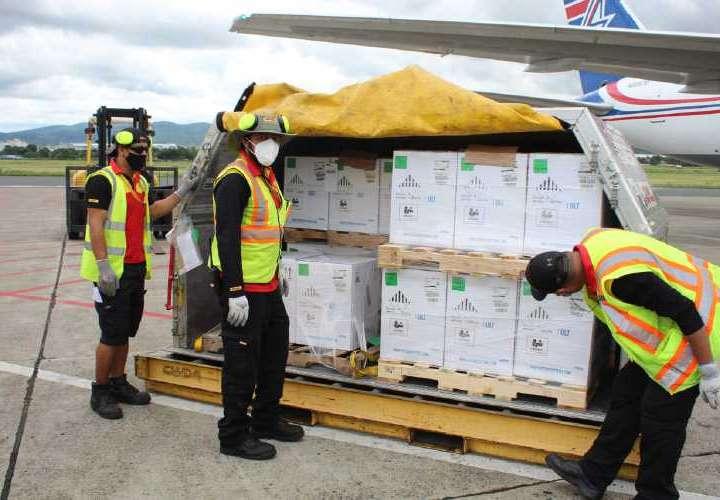 Panamá recibe 1 millón 423,882 vacunas Pfizer en cinco días