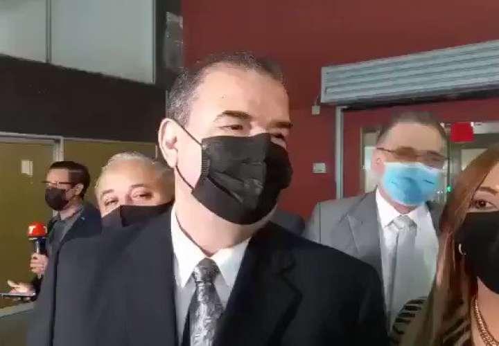 Abogados de Martinelli no reconocen legitimidad de documentos en caso pinchazos