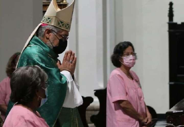Monseñor: no solo hay que alimentarse de lo material