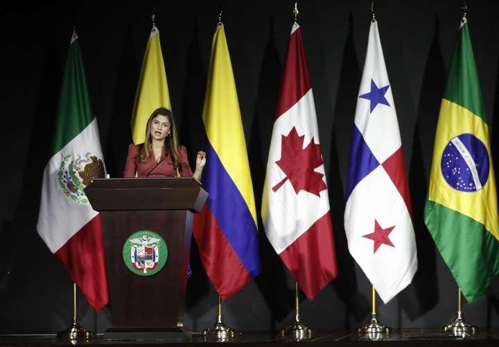 Panamá acepta recibir 650 migrantes por día
