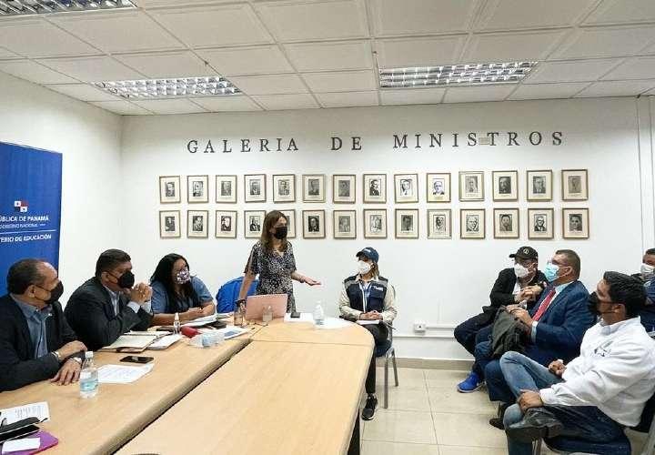 MEDUCA y dirigentes docentes en diálogo sobre retorno a clases