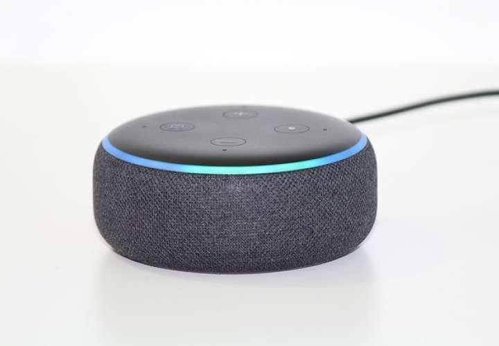 Alexa no sería el único asistente en integrar un modo de sonido adaptativo según los ruidos del entorno, Google también había propuesto desde el año pasado.