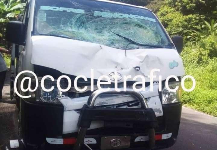 Le corresponderá a las autoridades investigar si el conductor del busito iba a exceso de velocidad. Foto: Tráfico Coclcé