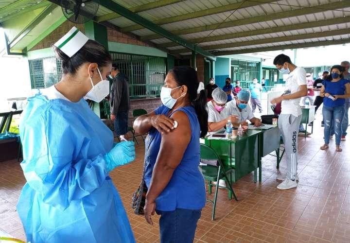 Aumentan puestos de vacunación en el oeste