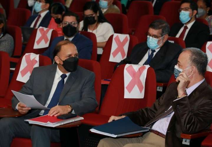 Magistrados del TE se retiran de la discusión de reformas electorales