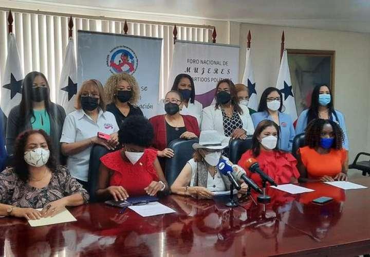 Mujeres políticas denuncian exclusión en discusión de reformas electorales