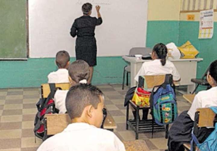 Más estudiantes se suman a clases semipresenciales