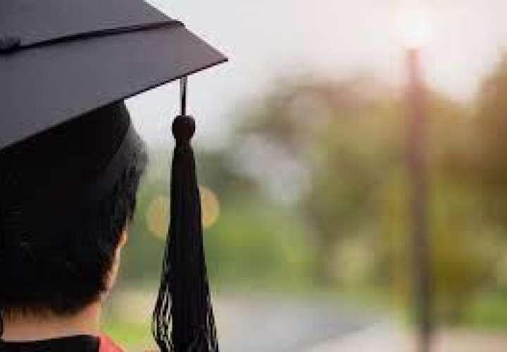 Meduca: No habrán desfiles patrios y evalúan posibilidad de actos de graduación