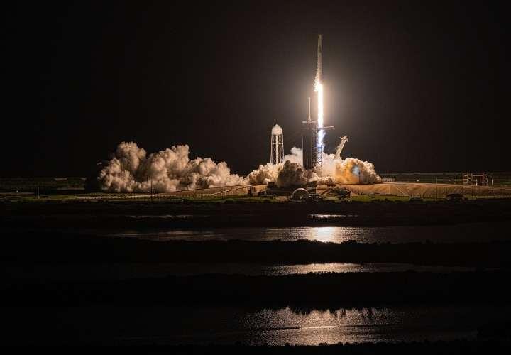 Misión espacial civil inicia investigaciones