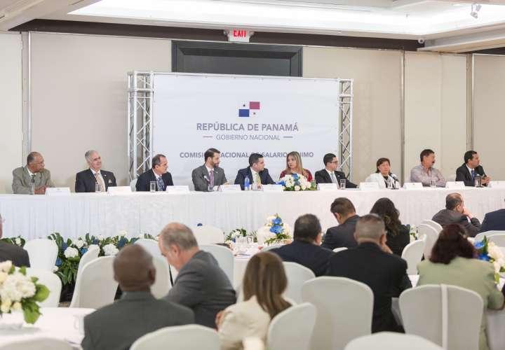 Evaluarán instalación de la Comisión Nacional de Salario Mínimo