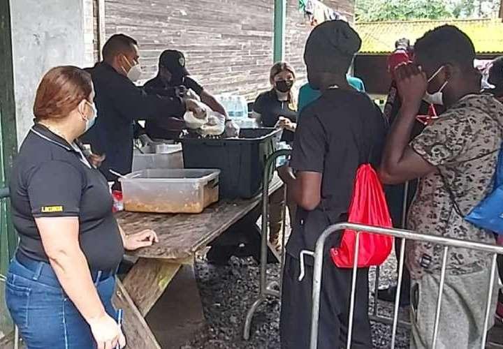 Diputados cuestionan condiciones de estación de migrantes en Chiriquí