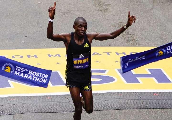 Keniano Benson Kipruto ganó la Maratón de Boston