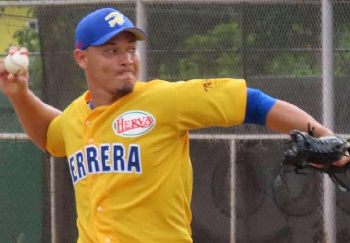 Herrera noqueó 12-1 a Colón en Campeonato Nacional de Béisbol Mayor