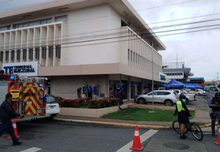 Tras conato de incendio, funcionarios del TE regresan a trabajar
