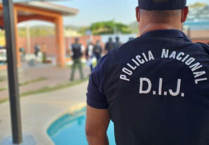 Fiscalía decomisa armas, dinero, automóviles y teléfonos en operativo en Chame