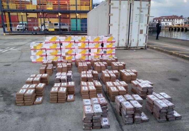 Hallan 580 paquetes de cocaína metidos en contenedores con cajas de banano