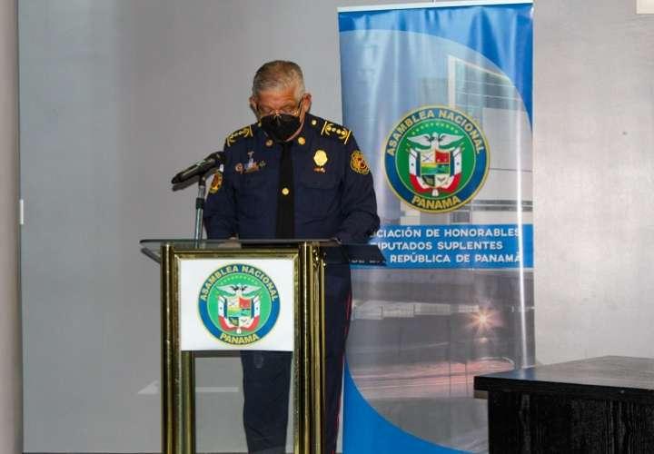 Firman convenio para capacitar a comunidades rurales en manejo de emergencias