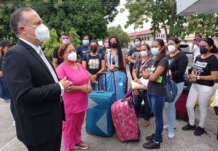 Chiriquí envía 210 enfermeras a Bocas para vacunación