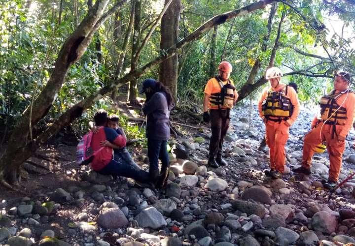 Encuentran a niños desaparecidos en río