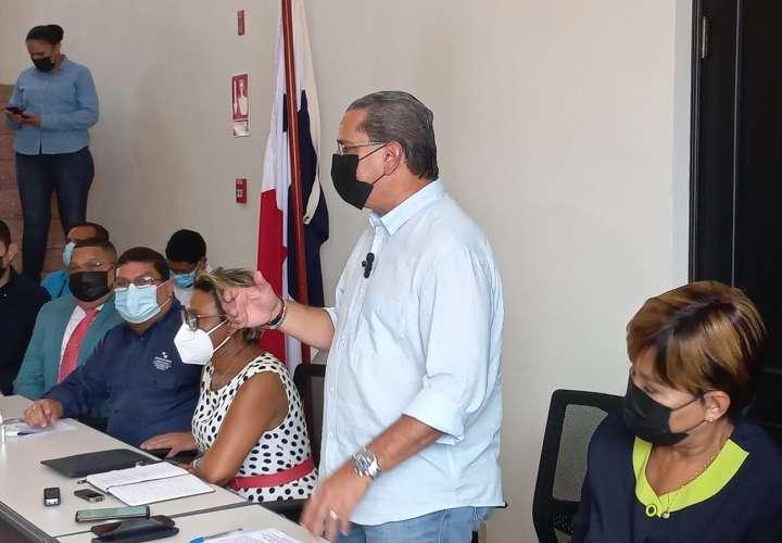 Fuerzas vivas de Colón se molestan y no aceptan explicaciones del Gobierno