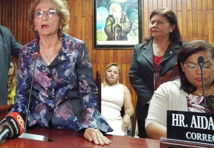 Cambian a gobernadora de Panamá Oeste