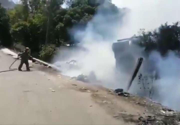 Vista general de la escena del incendio en Guna Nega.