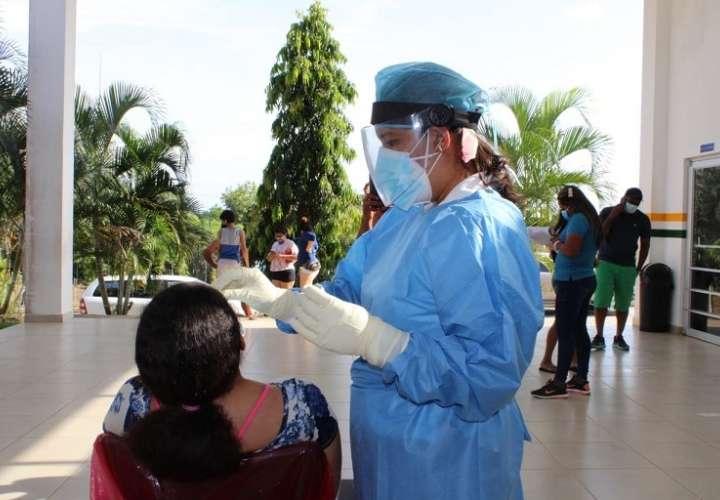 Aplicación de pruebas rápidas de COVID19 en Veraguas.