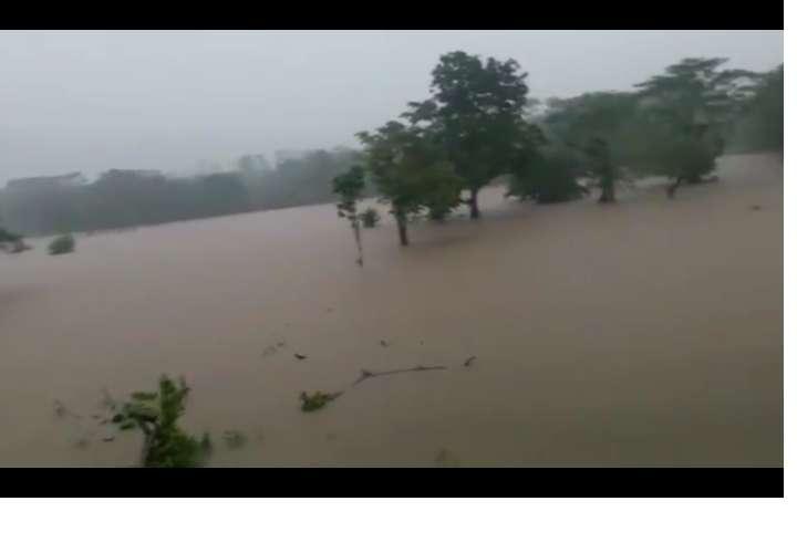 Vista general del área afectada por la inundación en Portobelo.