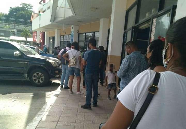 Panameños están desesperados por pagar sus cuentas y denuncian cortes de luz