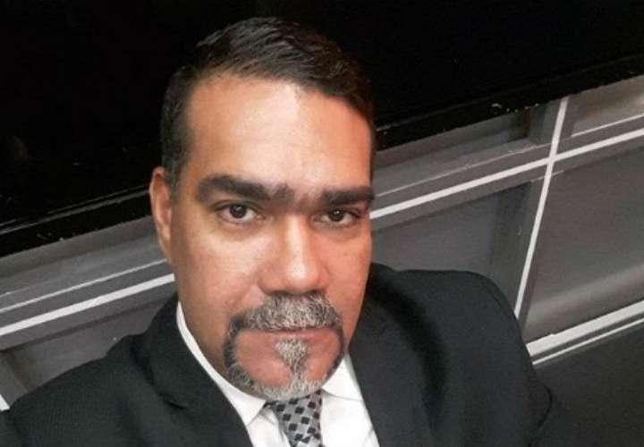 Julio Shebelut afirma que no busca nada del Gobierno