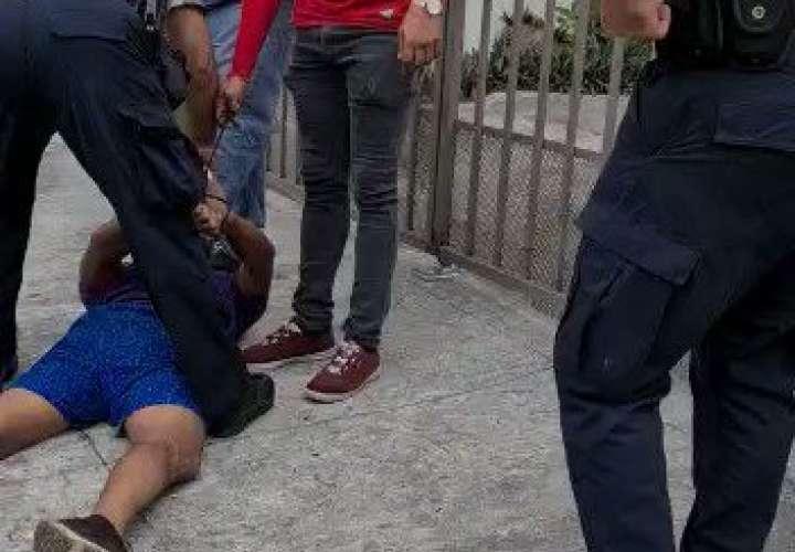 Vecinos de Betania aprehenden a sujeto implicado en robo  [Video]