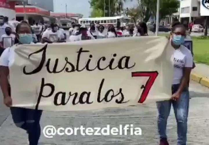 Marcha:  ¡Justicia para los 7!  [Video]
